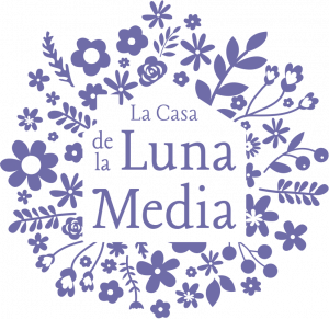 La Casa de la Luna Media